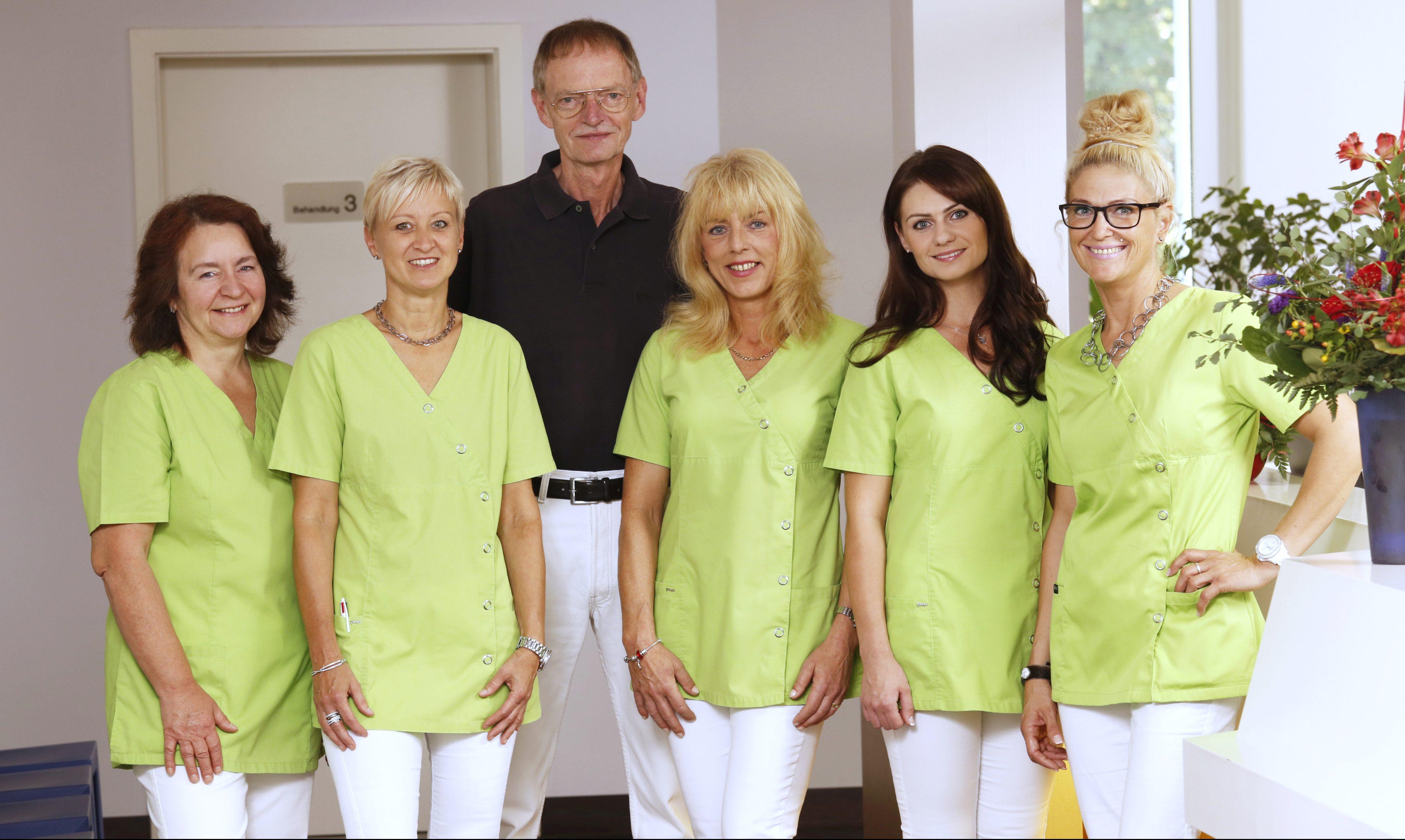 Dr. Pfötsch Team